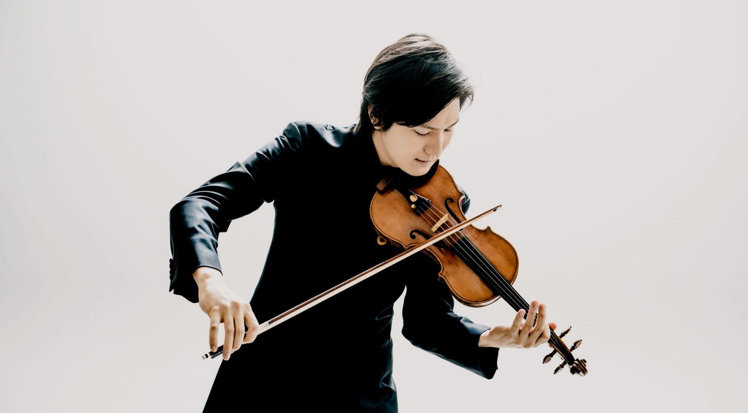 ヴァイオリニスト成田達輝 <br>彼はいかにして作品の真髄に近づくのか?